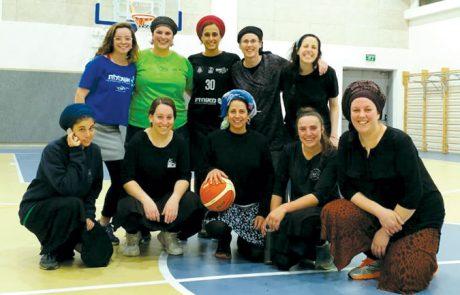 הכירו את קבוצת הכדורסל של הנשים בקשת