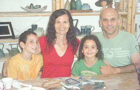 טובה כהן, קרמיקאית שהגיעה עם המשפחה להרחבה בחד-נס