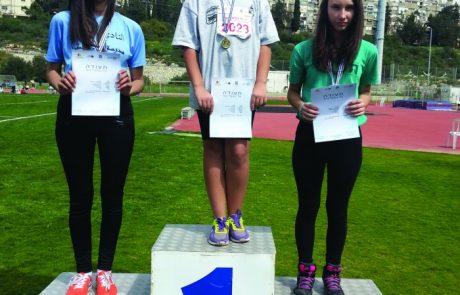 """גביע ניצחון – מקום שני לנבחרת האתלטיקה בי""""ס גמלא קצרין"""