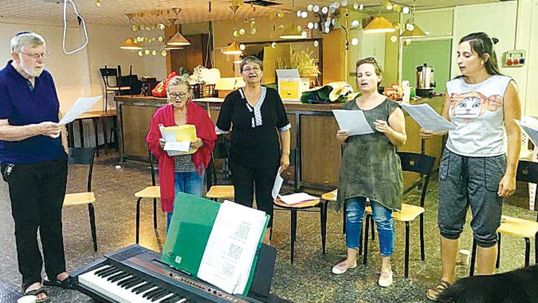 קבוצות זמר ונגינה במרכז הקהילתי גולן