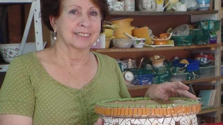 חנה יוסיפון נוב, יוצרת באבני הפסיפס מקסמים צבעוניים יפהפיים